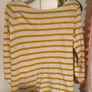 Old navy tee. Size small